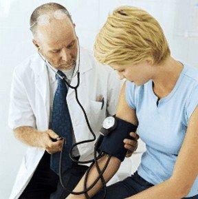 meten bloeddruk bij essentiële hypertensie