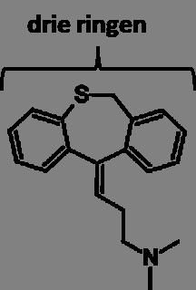 tricyclische antidepressiva bevatten drie koolstofringen - hier de molecuulstructuur van dosulepine