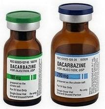 flacons met dacarbazine voor injectie in infuus